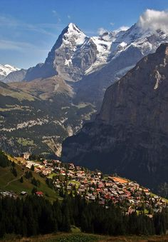 The idyllic village of Mürren above Lauterbrunnen valley, Switzerland