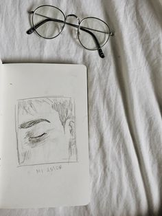 Eye Sketch Aesthetic Ideas For 2019 Sad Drawings, Drawing Sketches, Pencil Drawings, Eye Sketch, Book Drawing, Drawing Ideas, Aesthetic Drawing, Aesthetic Art, Kunstjournal Inspiration
