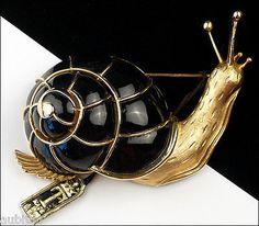 VINTAGE CROWN TRIFARI 3D FIGURAL BLACK ENAMEL SNAIL BROOCH PIN 1960's SHELL SLUG