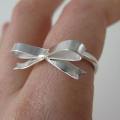 @RingOBlog Forget me knot! Bow Ring. #jewelry #rings #bows