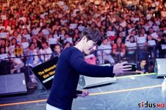 25 Charming behind-the-scenes photos of Kim Woo Bin's Thailand fan meet