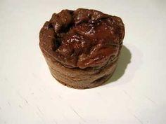 Muffin 40g de protéine en poudre 2 œufs 250 g de fromage blanc 0 % (à tester selon la texture de la pâte) 1/4 de sachet de levure chimique Édulcorant et arôme au choix