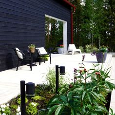 Modern home. Outdoor living area. Nordic garden design, designed by Green Idea