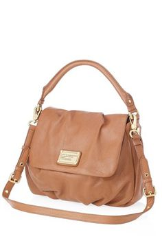 This Marc by Marc Jacobs bag would be the most perfect bag for the office this summer!