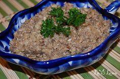 Pate de ciuperci cu sos de soia Raw Vegan, Green Beans, Vegetarian Recipes, Beef, Vegetables, Food, Romanian Recipes, Meat, Essen