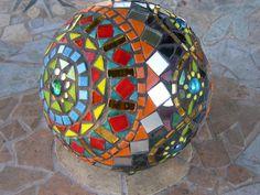 Round mosaic pin