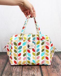 Diy Bags Patterns, Purse Patterns, Patchwork Bags, Quilted Bag, Crazy Patchwork, Diy Bag Designs, Diy Handbag, Handbag Tutorial, Tote Tutorial