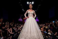 Vestido de noiva com decote coração para noivas com pouco busto  - Foto Arlindo Namour Filho