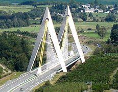 Viaduc-du-chavanon- France cropped.jpg