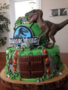 Torta de dinosaurios jurassic world #dinosaurios #pastel #torta #fiesta #jurassicworld