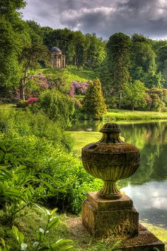 Stourhead, Temple of Apollo, Stourton, England - I want to explore the world but I should start by exploring where I live, this place looks beautiful Beautiful World, Beautiful Gardens, Beautiful Places, Beautiful Pictures, Amazing Places, Magic Garden, Dream Garden, Places To Travel, Places To See