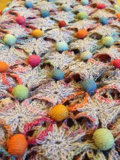 Sophie Digard crochet scarves (for admiration only) Form Crochet, Crochet Art, Crochet Squares, Crochet Granny, Crochet Motif, Crochet Shawl, Crochet Designs, Crochet Stitches, Crochet Patterns