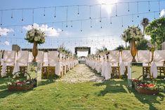 One Modern Javanese Wedding at Villa Phalosa - Bali Wedding, Home Wedding, Rustic Wedding, Dream Wedding, Wedding Ceremony Arch, Ceremony Backdrop, Javanese Wedding, Outdoor Wedding Decorations, Decor Wedding