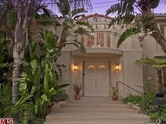 Tour Anna Nicole Smiths Former Los Angeles Home for Sale Set in Studio City, the late models contemporary Mediterranean-style home features panoramic views and a bright, spacious interior. Browse photos of Anna Nicoles former residence.