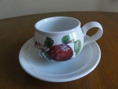 PORTMEIRION POMONA Hoary Apple Tea cup & Saucer demitasse no border England