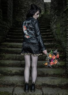 Find dark romance in this moody gothic inspired wedding. Unique and unusual ideas for your makeup, cake, outfit, flowers and jewellery - photography - model model - MUA - flowers - leather jacket - cake - jewellery Wedding Unique, Gothic Wedding, Wedding Ideas, Wedding Inspiration, Romance, Leather Jacket, Hand Painted, Jewellery, Inspired
