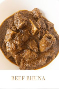 Easy beef bhuna curry recipe. Make this beef bhuna in half the usual cooking time using this pressure cooker recipe. A delicious Bangladeshi authentic beef bhuna recipe! #BeefBhuna #BeefCurry #GorurMangshoBhuna #Curry #BangladeshiFood Easy Delicious Recipes, Delicious Food, Tasty, Lunch Recipes, Easy Dinner Recipes, Easy Meals, Curry Recipes, Beef Recipes, Bangladeshi Food