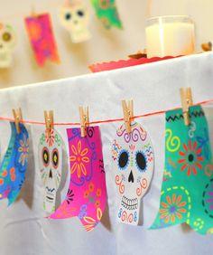 Mami Talks™: Día de los Muertos Garland