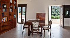 Villa Lofos , Περιβόλια, Ελλάδα. Crete Holiday, Divider, Villa, Room, Furniture, Home Decor, Bedroom, Decoration Home, Room Decor