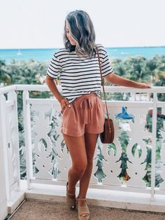 Summer Style // Cute summer look. Beach Outfit Plus Size, Beach Outfits Women Plus Size, Casual Beach Outfit, Boho Shorts Outfit, Casual Summer Style, Casual Summer Outfits Shorts, Shorts Outfits Women, Summer Styles, Hijab Outfit