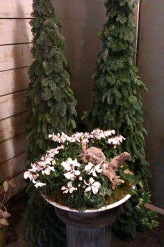 creation fro Christmas by Bloembinderij De Oranjerie in Almere