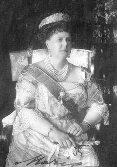 Grand Duchess Marie Alexandrovna, Duchess of Edinburgh and Coburg, in a  diamond kokoshnik tiara