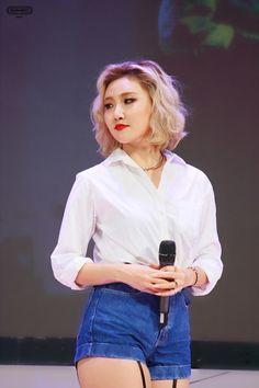 MAMAMOO - Hwasa 화사 (Ahn HyeJin 안혜진) #금발머리 #마마무