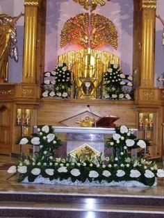 Altar Flowers, Church Flower Arrangements, Ikebana Arrangements, Church Flowers, Funeral Flowers, Table Flowers, Church Altar Decorations, Deco Floral, Creative Design