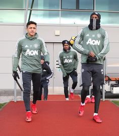 Pics: Alexis involved as United train for Tottenham trip - Official Manchester United Website