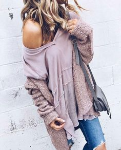 Hmmmm... Not Sure I would need to walk around with my shoulder hanging out? 😐 But, Love The Fall Comfy Look 😁