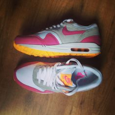 Pink and orange Nike Air Max! Love these!