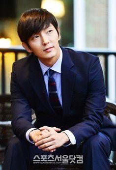 Lee Joon-ki (이준기) Aklıma gelen..:/ Belki o iş teklifi bana yeniden gelir, belki bir şekilde karşılaşırız, belki fallar doğru çıkar da karşılaşırız.  ah bm..