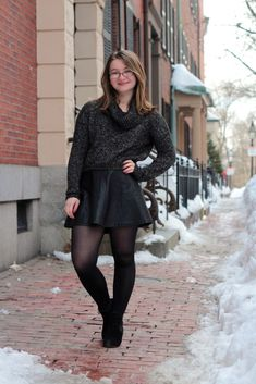 Celina Colby sexy dress with sheer black pantyhose Curvy Women Fashion, Diva Fashion, Fashion Models, Fashion Looks, Fashion Outfits, Snow Outfits For Women, Outfits For Teens, Clothes For Women, Pantyhose Outfits
