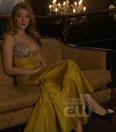 There is 0 tip to buy dress, serena van der woodsen, serena van der woodsen, gossip girl, blake lively dress. Help by posting a tip if you know where to get one of these clothes. Gossip Girl Dresses, Gossip Girl Outfits, Gossip Girl Fashion, Fashion Tv, Mom Outfits, High Fashion, Fashion Ideas, Gossip Girl Serena, Estilo Gossip Girl