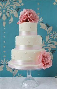 Simply Elegant - Ivory & Rose Cake Company
