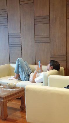 Bright Wallpaper, Wallpaper Iphone Cute, Park Joy, Taehyung, Song Wei Long, Panic Rooms, Cute Celebrity Guys, Won Woo, Boyfriend Photos