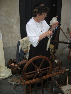 Vieux métiers Salies : rouet et quenouille
