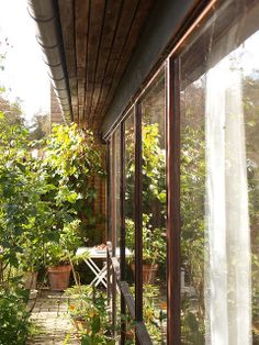 jørn utzon, architect: kingohusene courtyard houses, helsingør 1956-1960 | Flickr – Compartilhamento de fotos! Alvar Aalto, Helsingor, Jorn Utzon, Scandinavian Architecture, Inside Outside, Courtyard House, Brick And Stone, Good House, Stone Houses