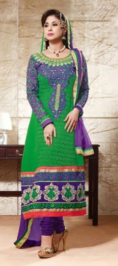 401867: Urmila Matondkar modeled Salwar Kameez. #bollywood #bollywoodceleb #festivewear