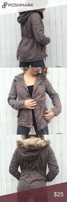 H&M Parka Jacket Super cute Parka jacket from H&M   Faux fur  Faux shearling H&M Jackets & Coats