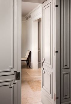 Door Molding with a nod towards Art Deco | Tim Barber Ltd Architecture & The (Totally Doable) European Secret to Beautiful Rooms Pezcame.Com