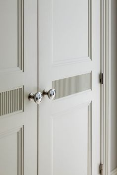 This simple-yet-elegant door detail showcases a distinctive match-strike panel, a motif repeated throughout this New York apartment. Door Design Interior, Interior, Wood Doors, Beautiful Interiors, Door Handles, House Interior, Millwork Details, Elegant Doors, Doors
