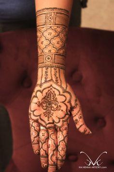 Mehndi Maharani 2013 Finalist: KM Henna Artistry http://maharaniweddings.com/gallery/photo/13797