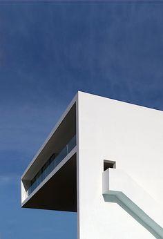 Haus am Berg von den Fran Silvestre Architekten - klonblog 005 cliff house