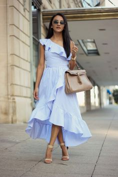 a fashion and style diary. most of all, find your style! Simple Dresses, Cute Dresses, Beautiful Dresses, Summer Dresses, Frock Fashion, Curvy Fashion, Fashion Dresses, Frocks For Girls, Classy Outfits