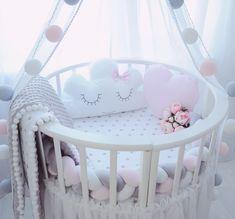 Бортики в кроватку. Декоративные подушки. Baby. Подушка облачко, звезда, заяц, сердце. Коса. Плед.
