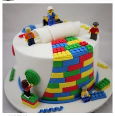 How to make a Lego cake or Lego cupcakes for a birthday party! These Lego cake ideas have easy tutorials and designs for a homemade Lego birthday cake! Crazy Cakes, Fancy Cakes, Cute Cakes, Pink Cakes, Lego Torte, First Birthday Cakes, 26 Birthday, Birthday Cake Kids Boys, Amazing Birthday Cakes