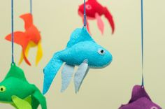 Perfect #baby mobile idea for K&R, would have to ask about the colour of the room though.