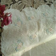 shabby chic table cloth vintage style I love it