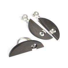 Vladimir Shestakov. Luna negro. Ring and earrings . Ebony , Black Spinel , 925 Silver. http://www.shestakov-jewellery.ru/